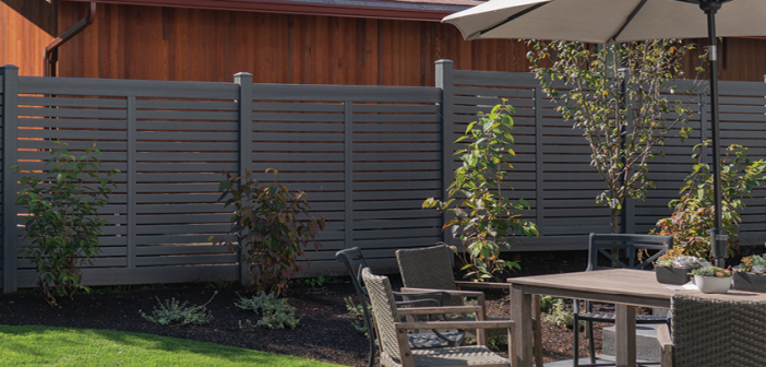 Compare and Contrast: Vinyl vs. Wood Privacy Fences